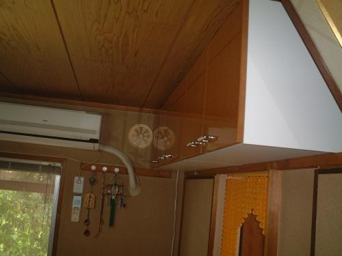 吊り戸棚を付けました!